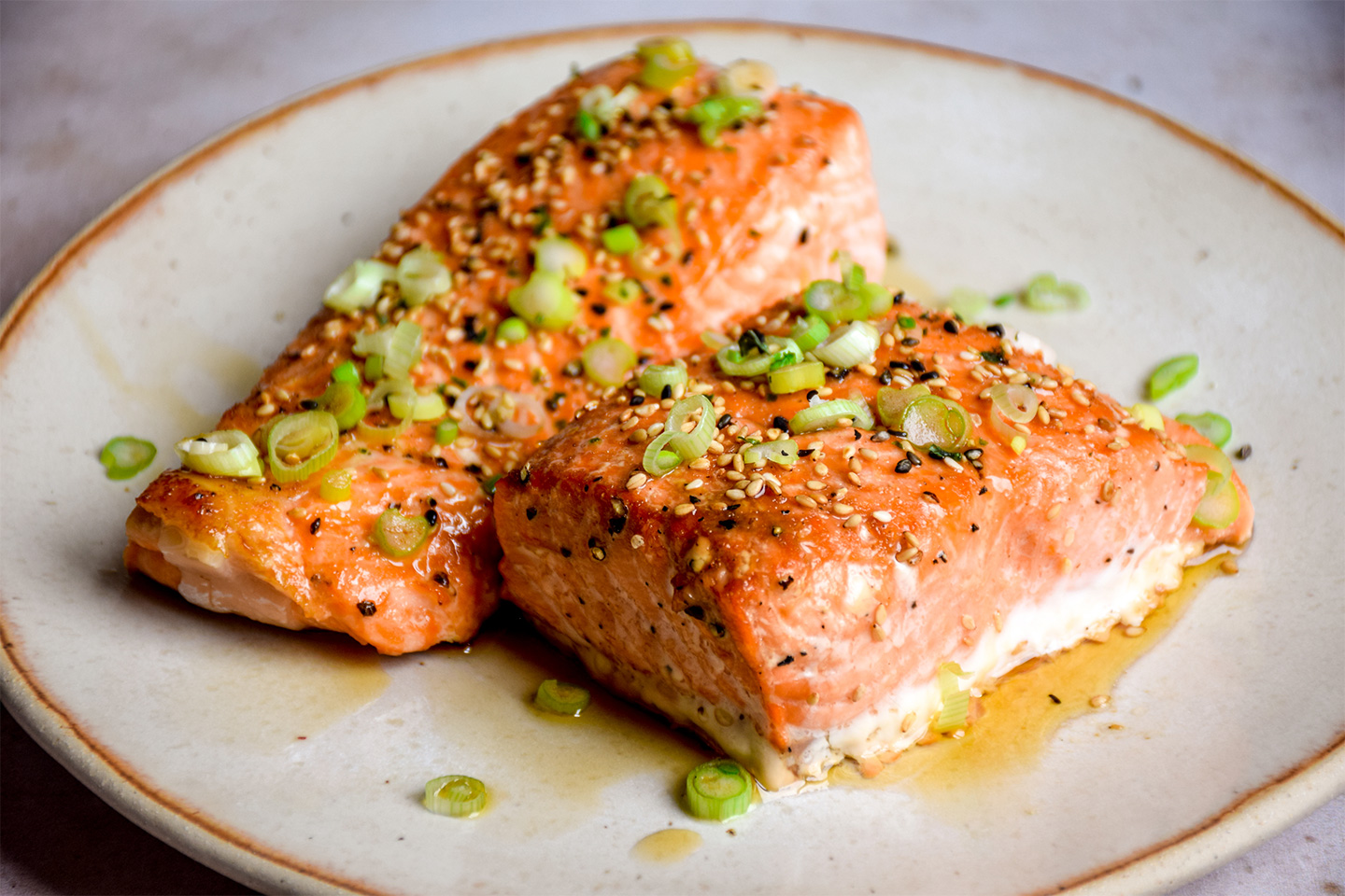 """<p style=""""text-align: right;""""><a href=""""#"""">Asian Marinated Salmon</a></p> <p style=""""text-align: right;"""">Paleo &amp; Low Carb</p>"""